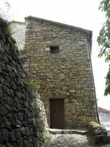 Casa in pietra - Costruire casa in pietra ...